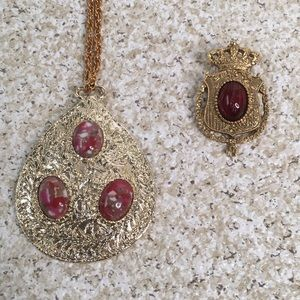 Vintage Gold Tone Red Cabochon Necklace Pin Set